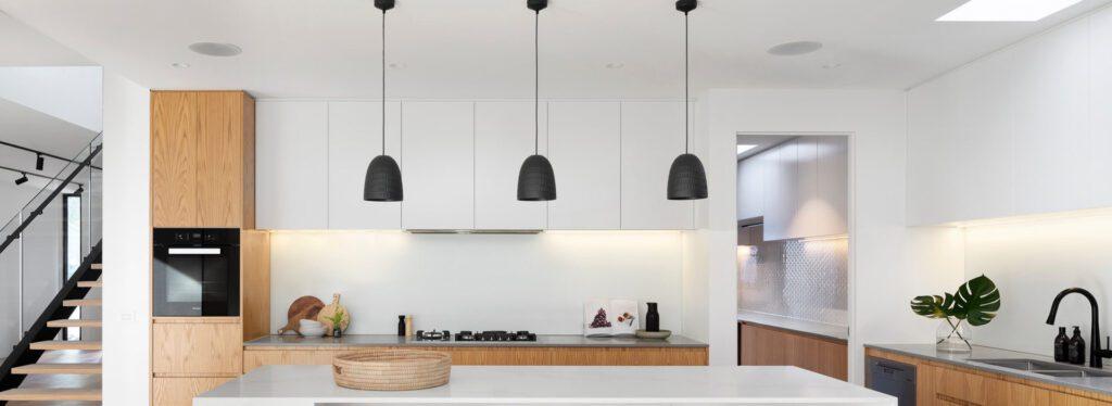 Šviestuvas virš virtuvės salos - kaip rasti idealią?